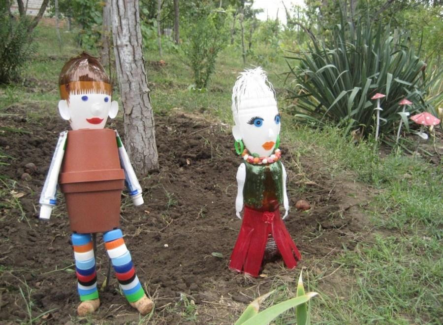 Фигурки для сада своими руками из подручного материала фото