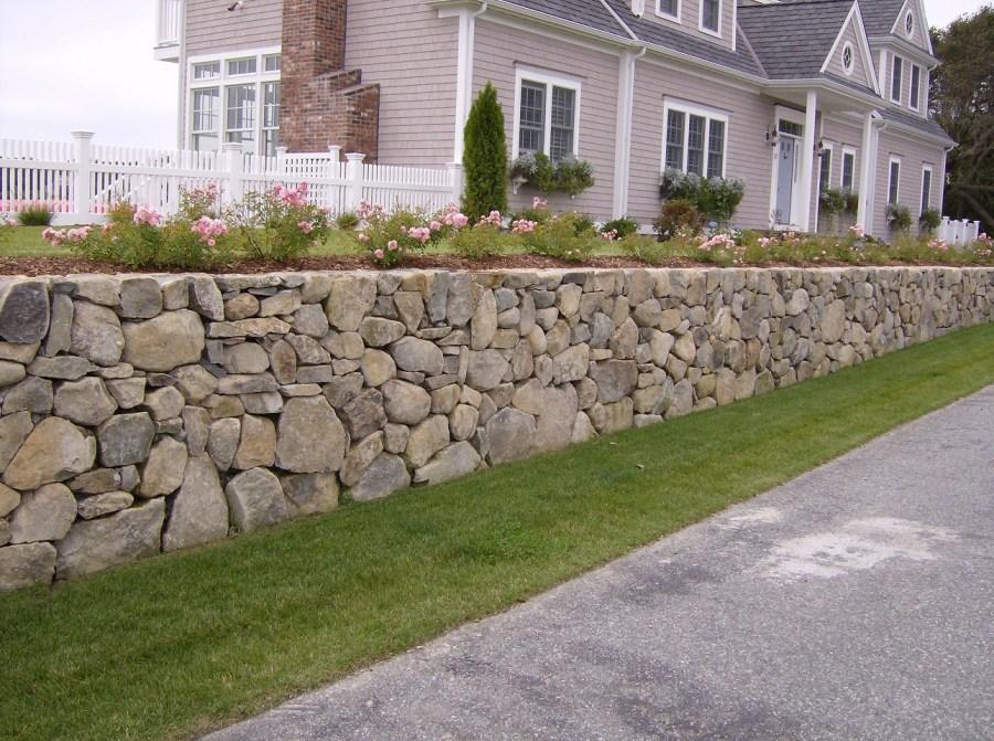 Камни для подпорной стенки с отверстиями