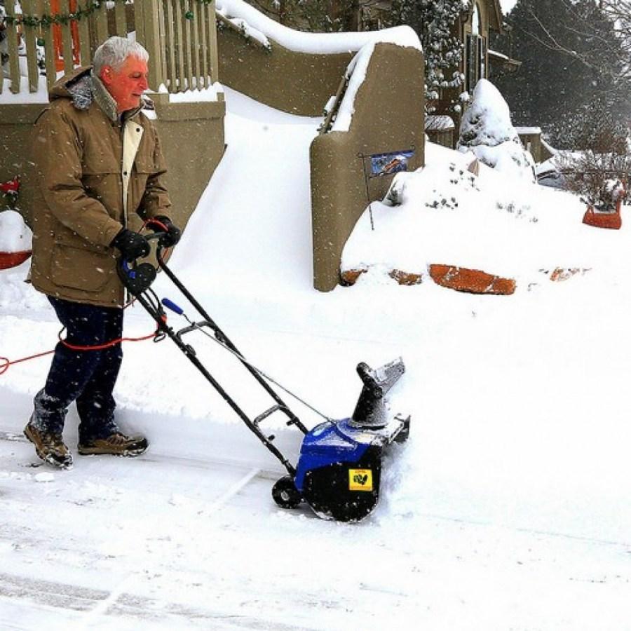Снегоуборщик из бензопилы своими руками 21