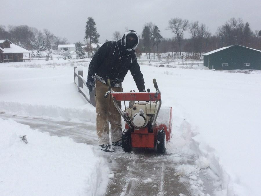 Снегоуборочные машины из бензопилы своими руками 97