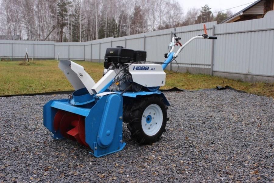 Трактора для уборки тротуаров от снега