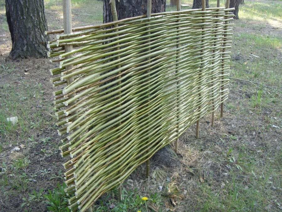 Как сделать забор из прутьев своими 637