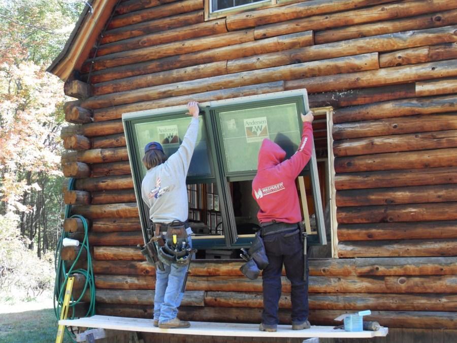 Правильная установка окон и дверей в деревянном доме 56